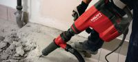 TE 800-AVR Concrete demolition hammer Very powerful TE-S demolition hammer for heavy-duty chiseling in concrete, with Active Vibration Reduction (AVR) Applications 3