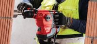 TE 30-AVR Powerful SDS Plus (TE-C) rotary hammer for heavy-duty concrete drilling and corrective chiseling, with Active Vibration Reduction (AVR) Applications 3