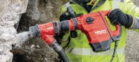 TE 500-AVR SDS Max demolition hammer Versatile SDS Max (TE-Y) demolition hammer for light-duty chiseling in concrete and masonry, with Active Vibration Reduction (AVR) Applications 2